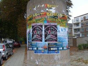 collage d'affiche nation 23-09-2009 002